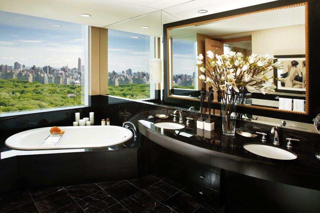 new-york-suite bathroom