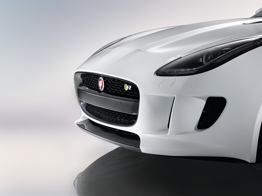 jaguar-F-type-R-coupe-12