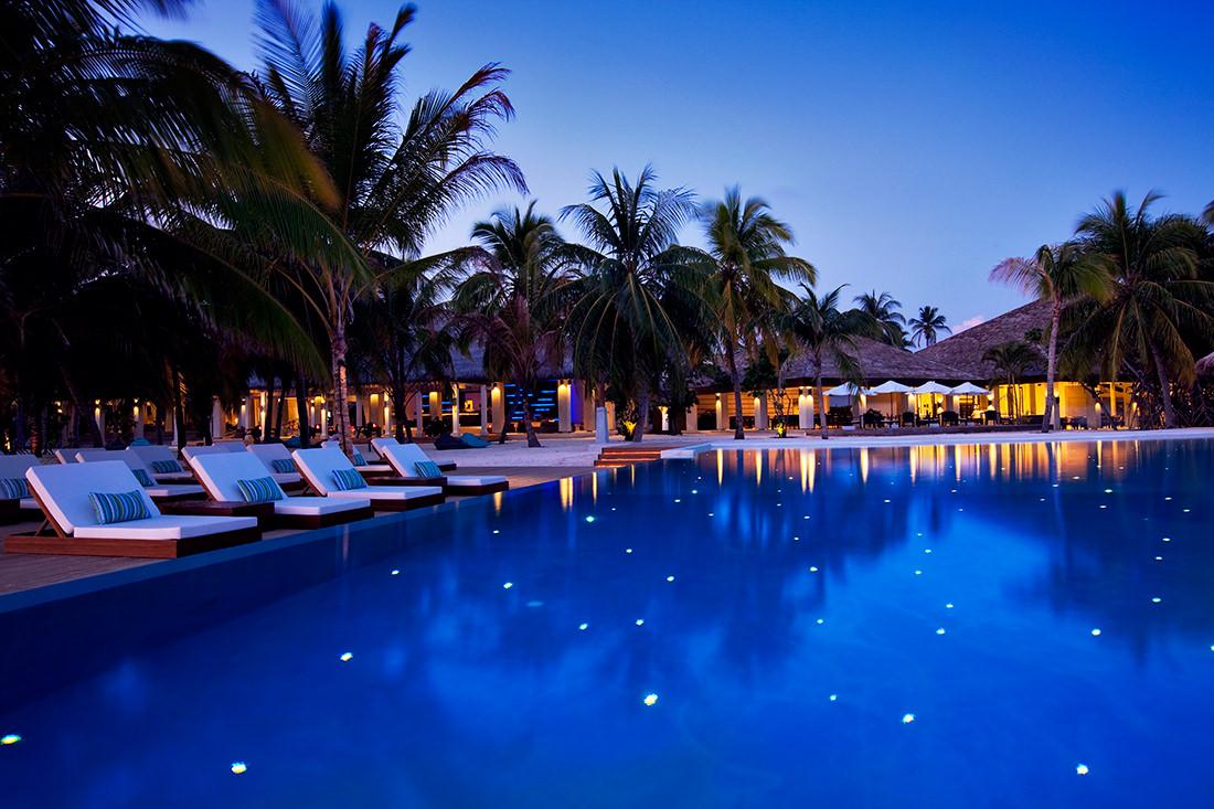 velassaru-maldives-1-a