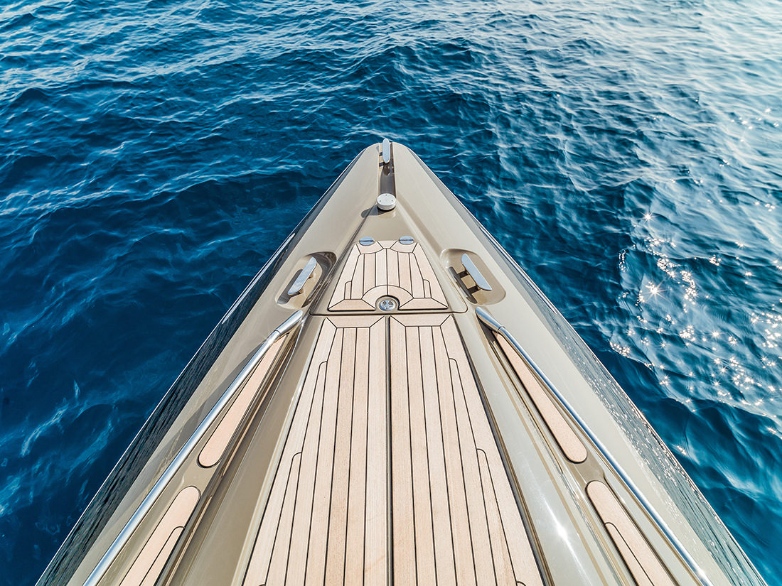 yacht-XRS43-3