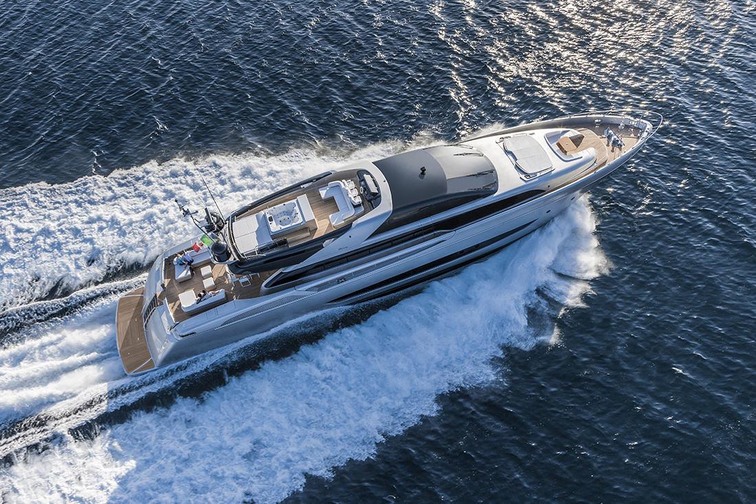 riva-yacht-mythos-3