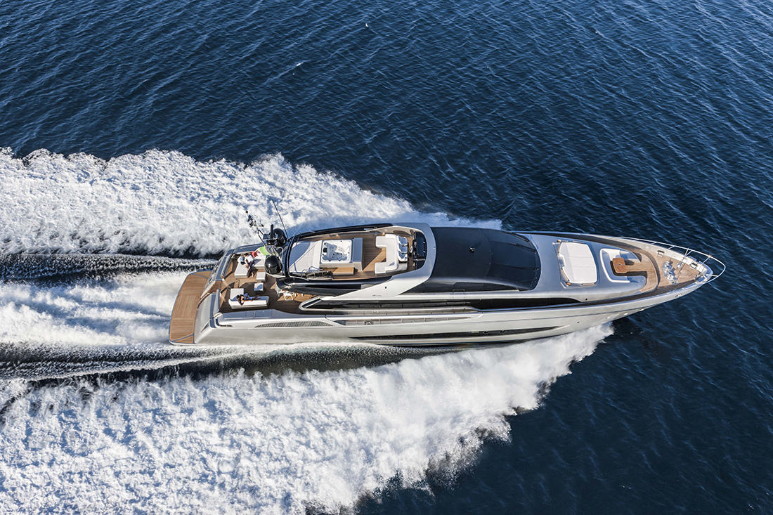 riva-yacht-mythos-4