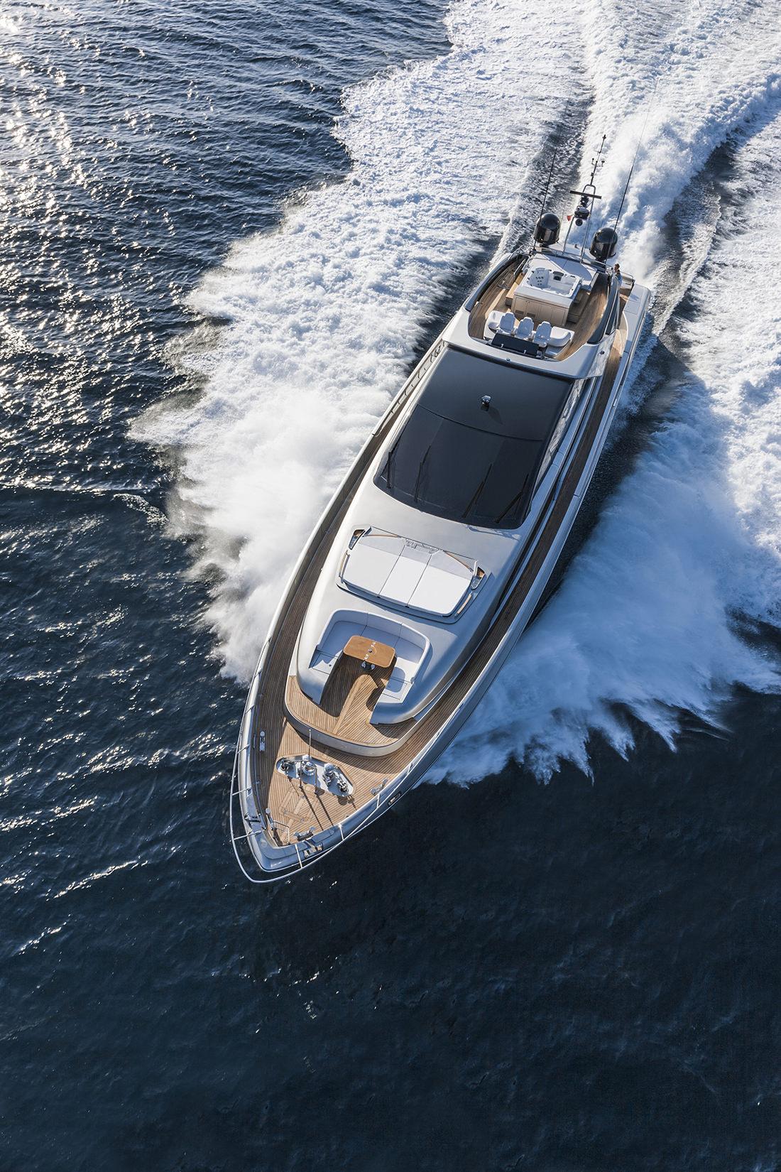 riva-yacht-mythos-5