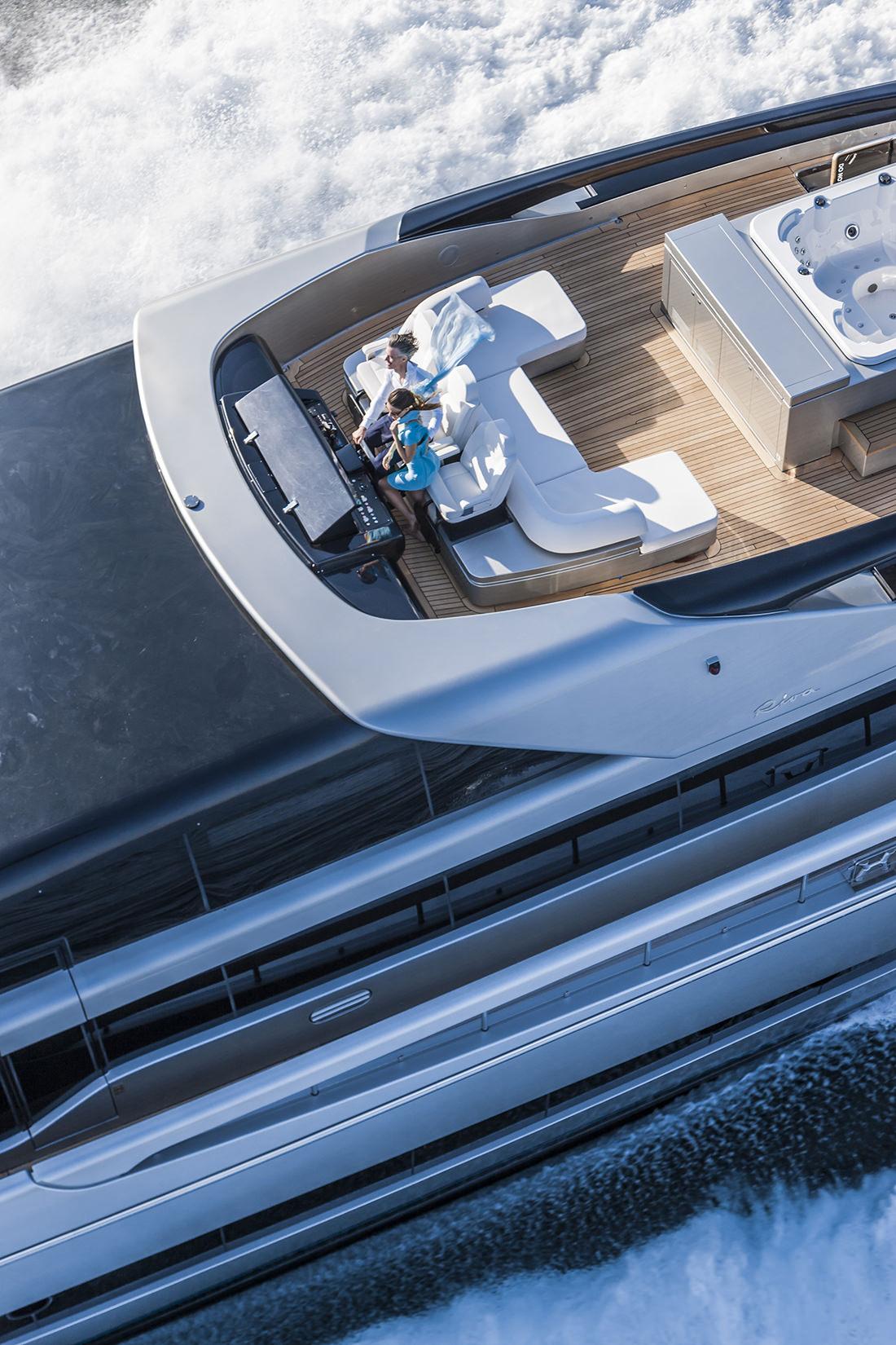 riva-yacht-mythos-8
