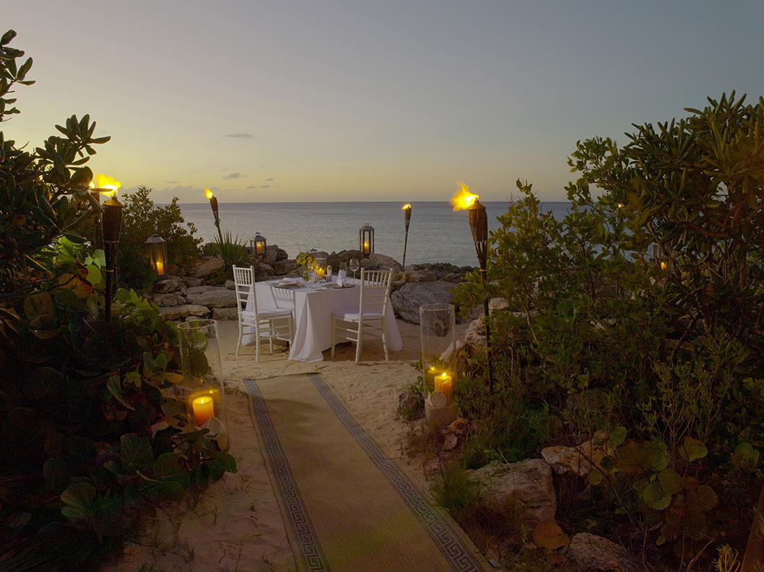 Amanyara - Dining at the Ocean Cove 1