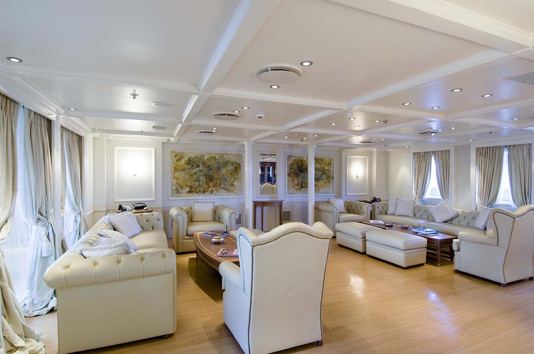 motor-yacht-RM-elegant-5