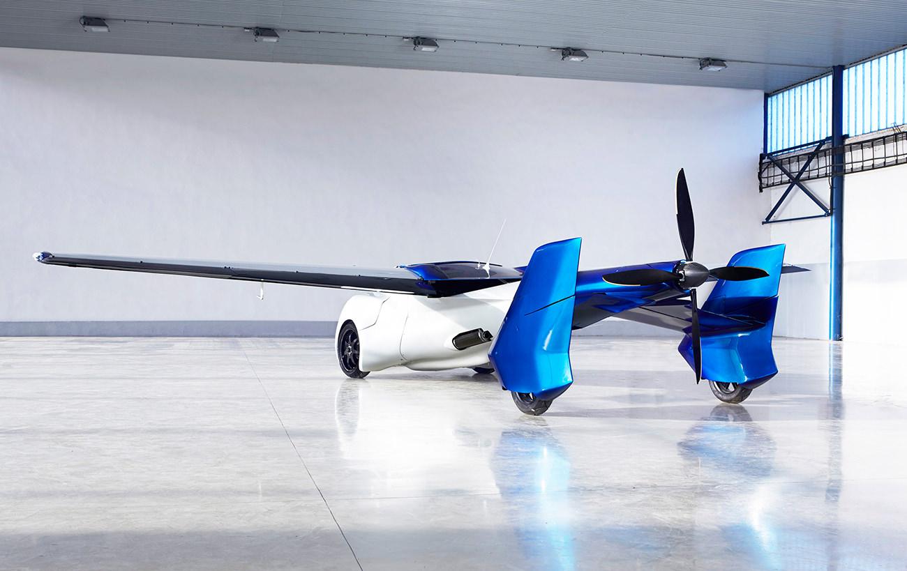 AeroMobil-3-airplane-5