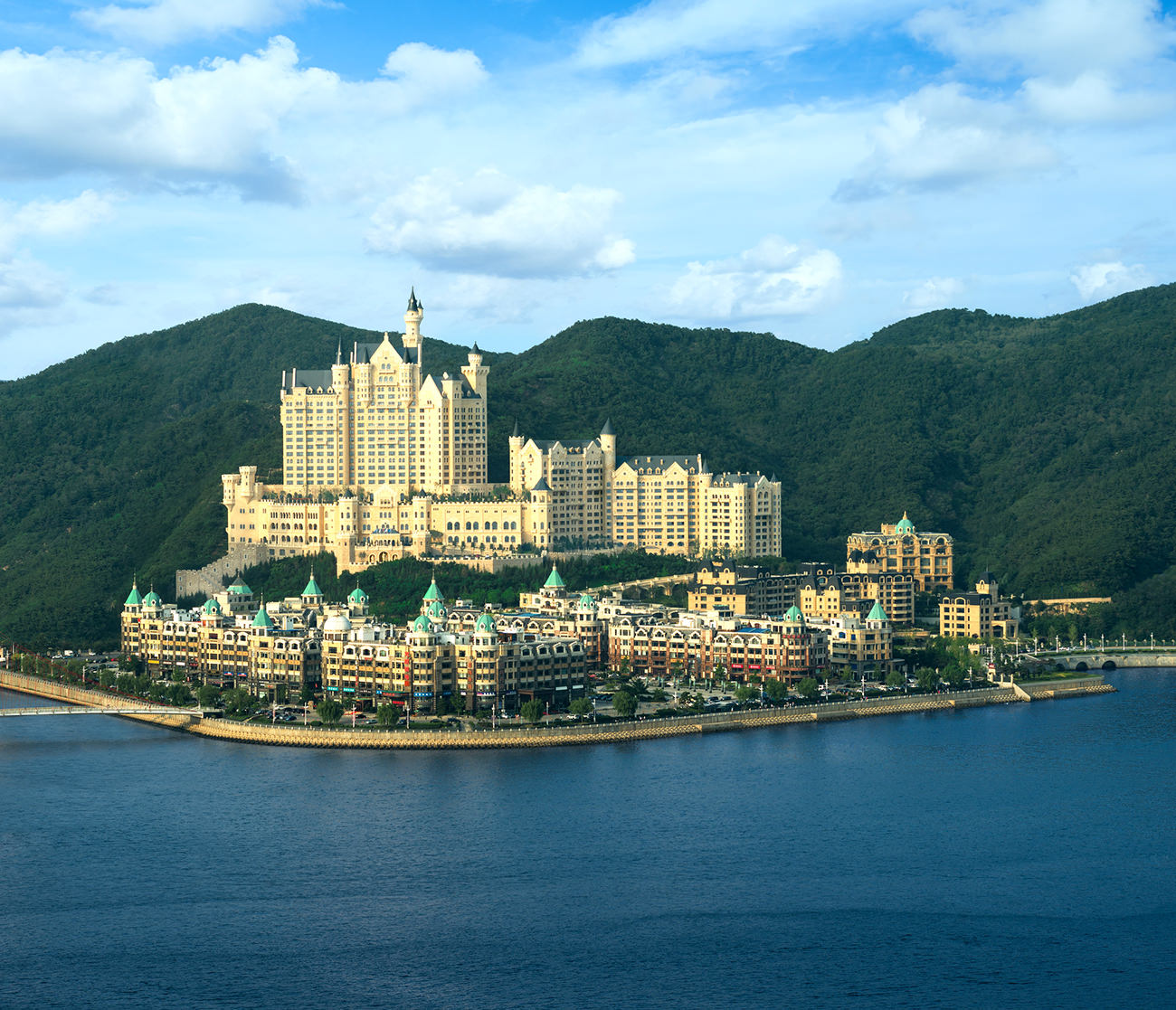 the-Castle-Hotel-a-Luxury-Collection-Hotel-Dalian-3