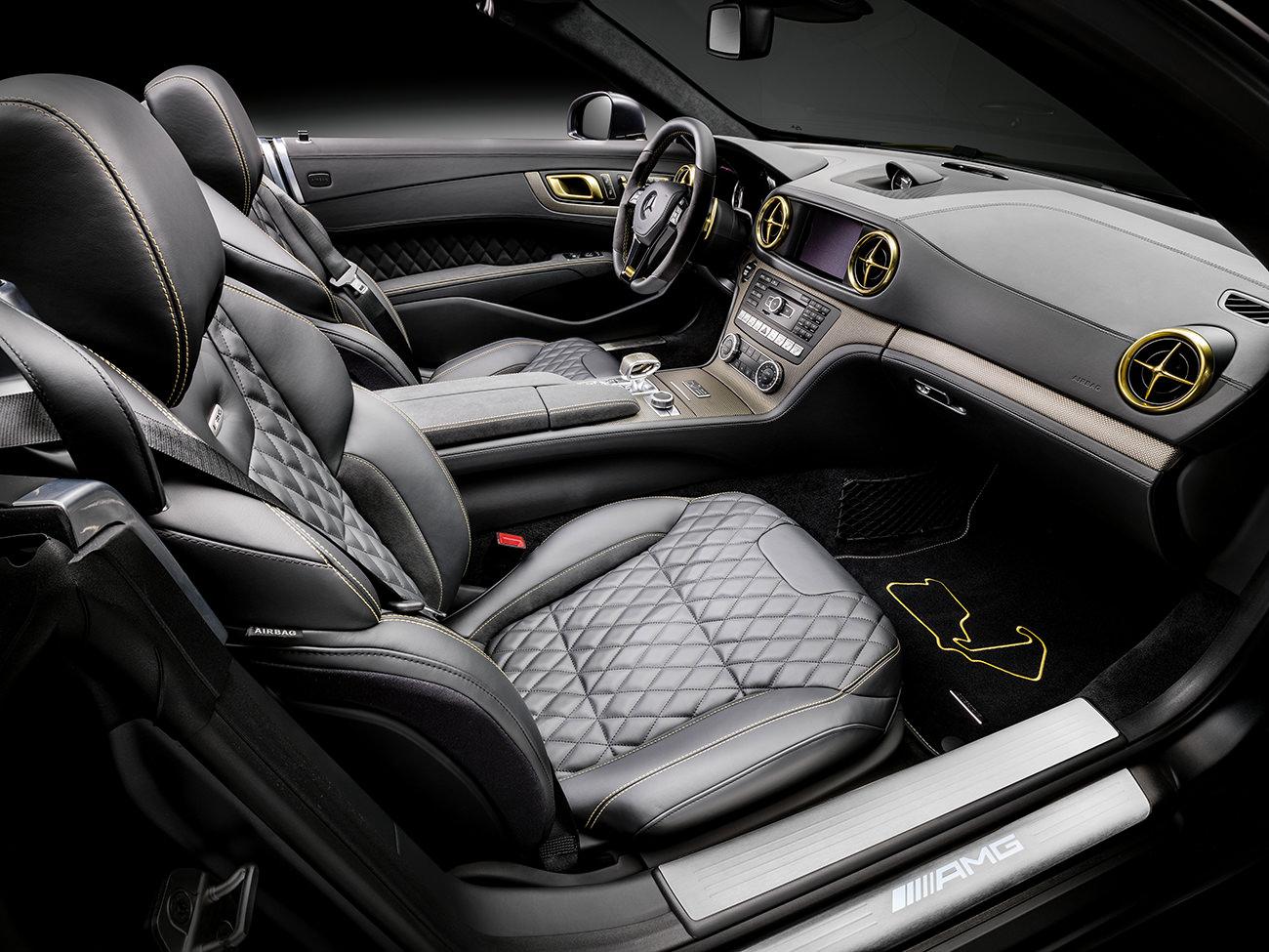 Mercedes-Benz-World-Championship-2014-Collector-Edition-8