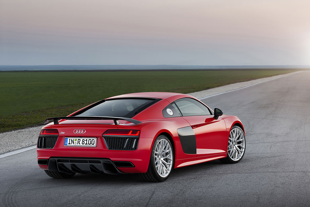 Audi-R8-7
