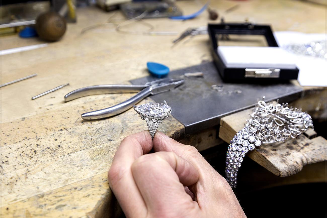The-Fastination-Graff-Diamonds-5