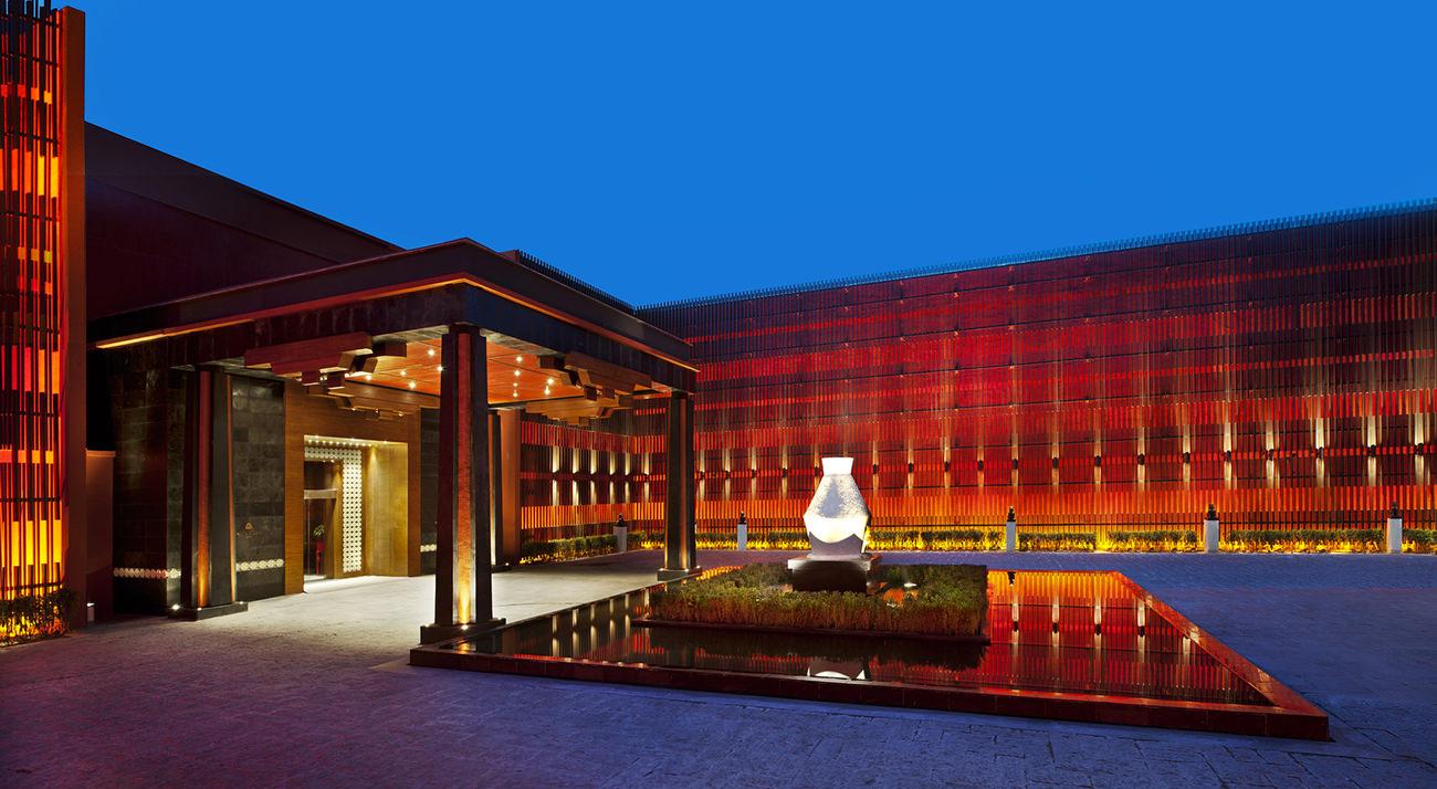 St-Regis-Lhasa-3