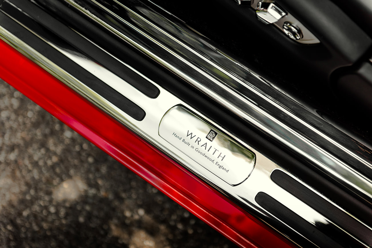 Rolls-Royce-Wraith-St-James-Red-7