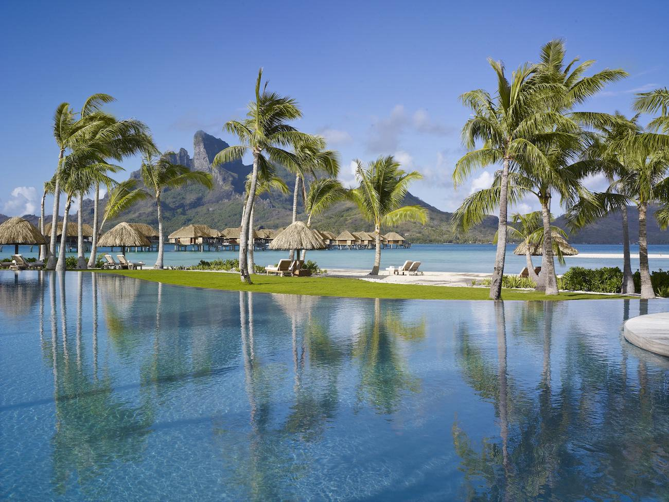 Four-Season-Bora-Bora-10