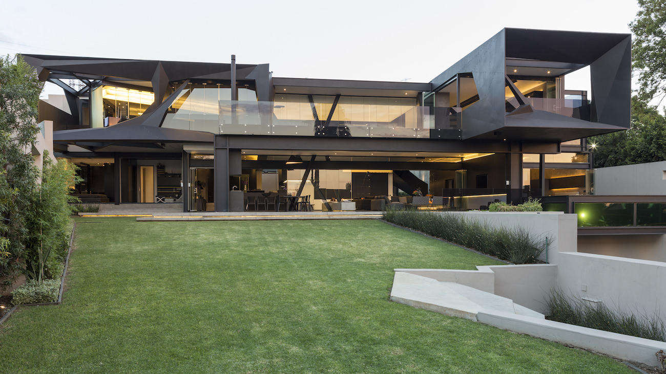 KLOOF-ROAD-HOUSE-2