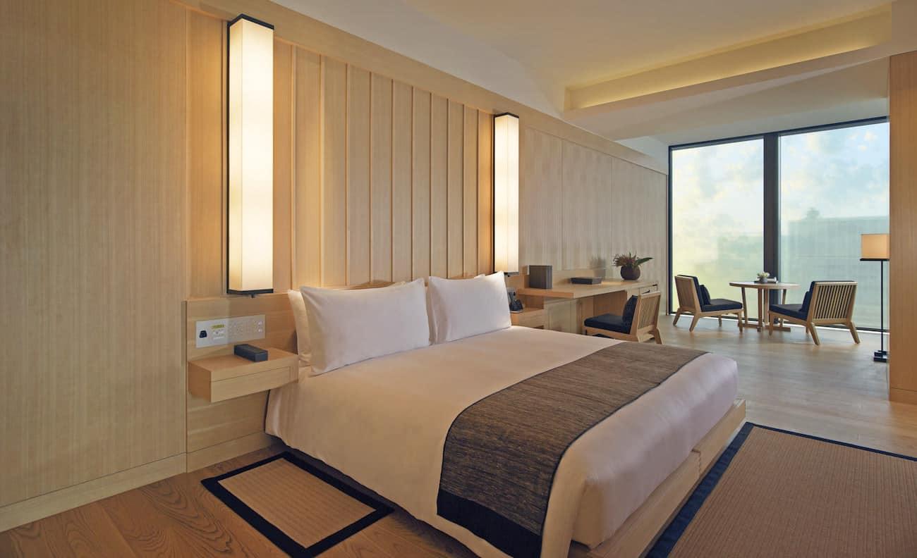 Aman Tokyo - Corner Suite Bedroom