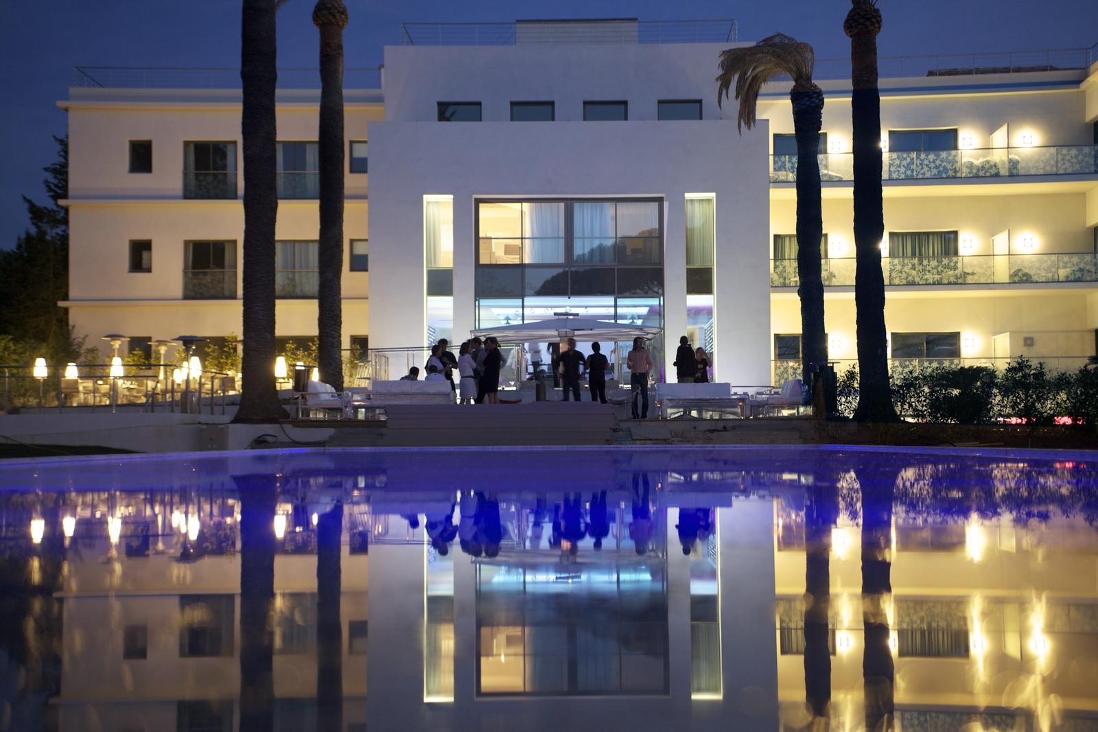 Kube h tel st tropez for Hotels saintes