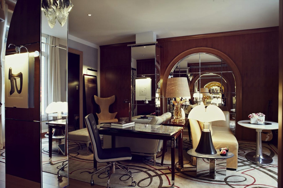 l 39 h tel monceau paris le renouveau par starck. Black Bedroom Furniture Sets. Home Design Ideas