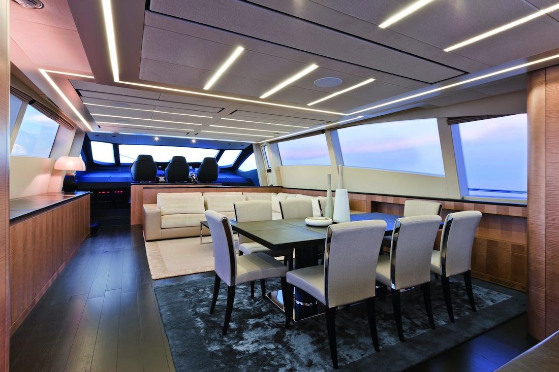 Pershing-108-yacht-04