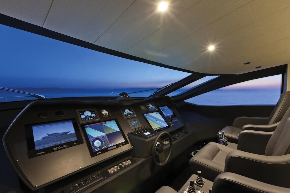 Pershing 108 Un Yacht Aux Multiples Facettes