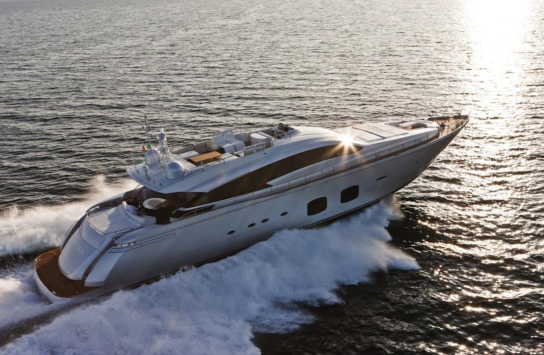 Pershing-108-yacht-06