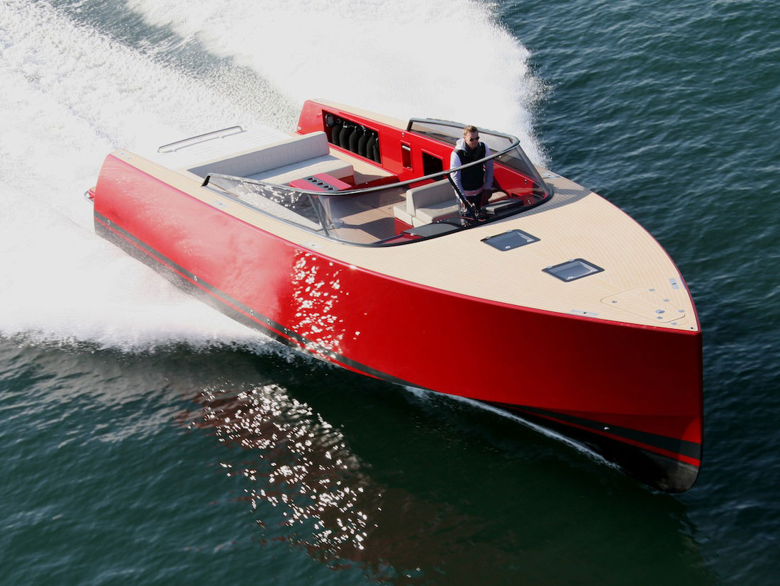 Vandutch40-luxury-boat-design-1