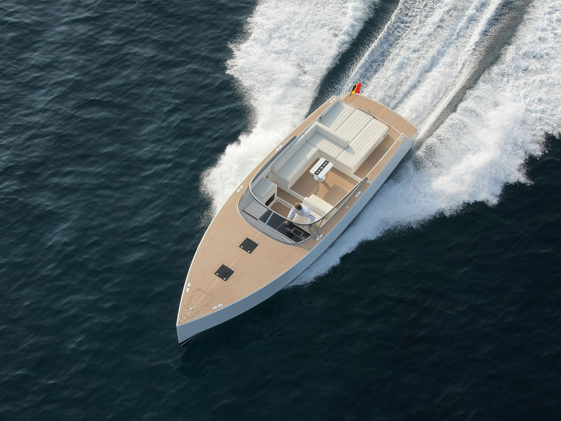 Vandutch40-luxury-boat-design-2