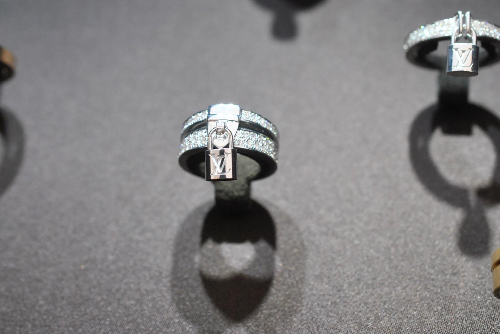 louis-vuitton-lock-it-bracelet-2