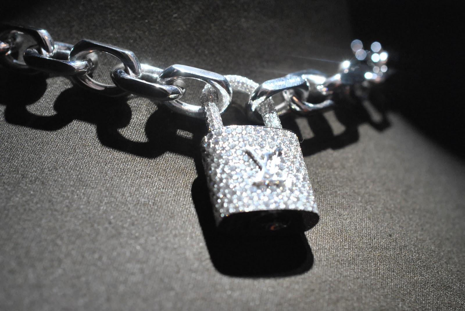 louis-vuitton-lock-it-bracelet-3