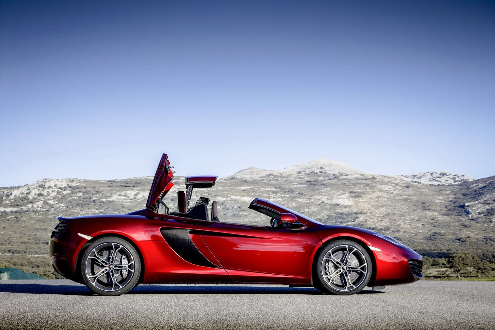 McLaren-MP4-12C-Spider-coupe-4