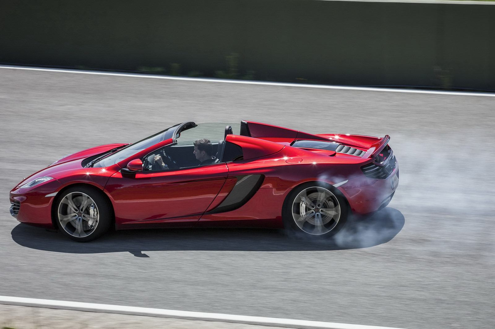 McLaren-MP4-12C-Spider-coupe-5