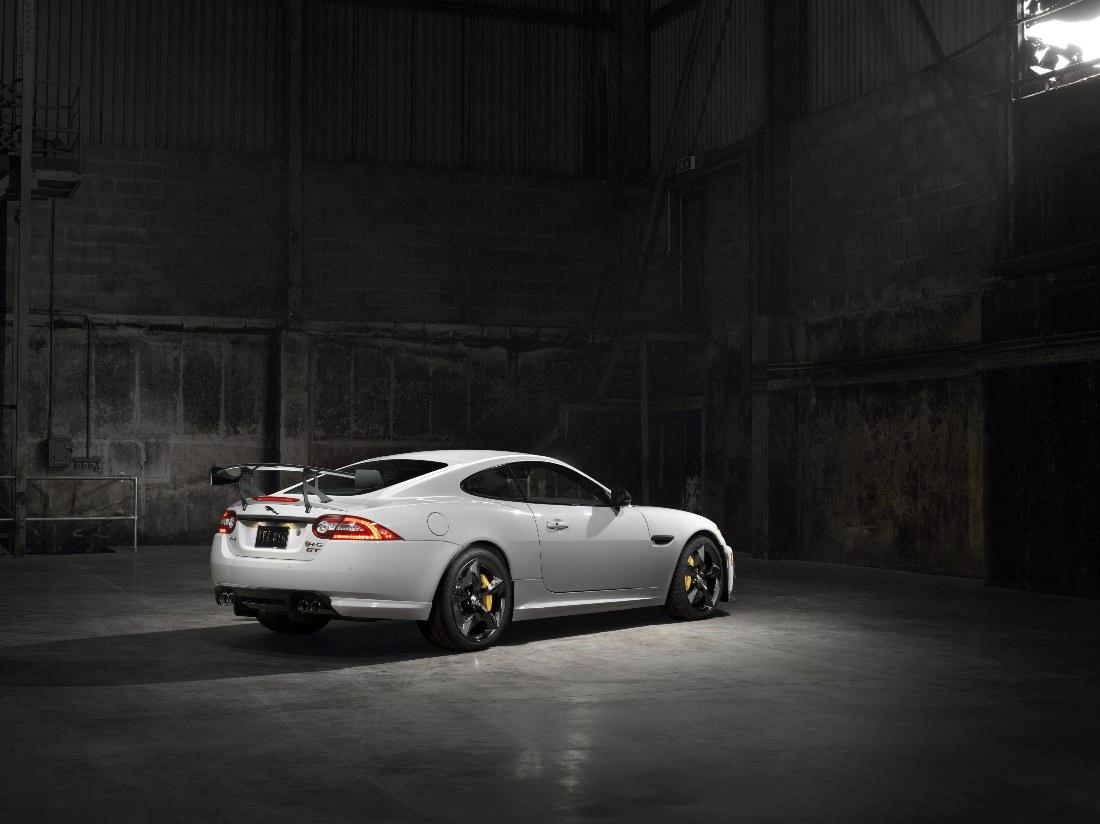Jaguar-XKR-S-GT (3)