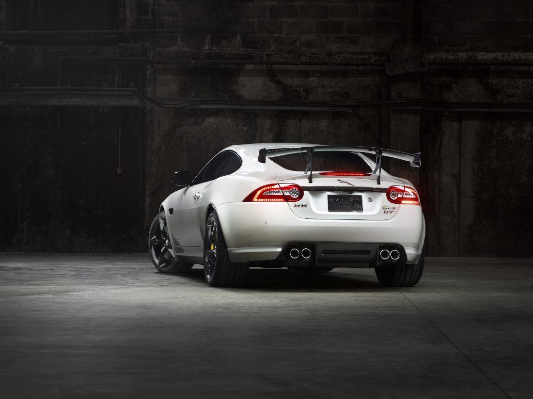 Jaguar-XKR-S-GT (6)