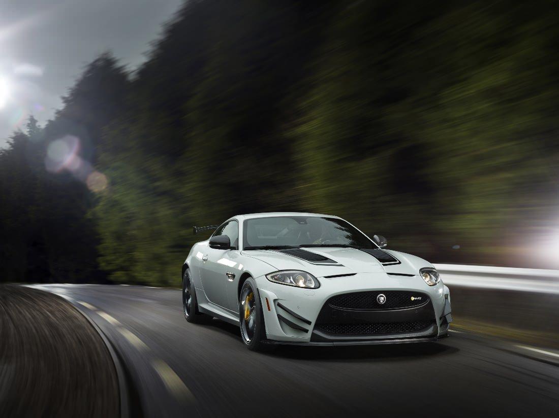 Jaguar-XKR-S-GT (7)