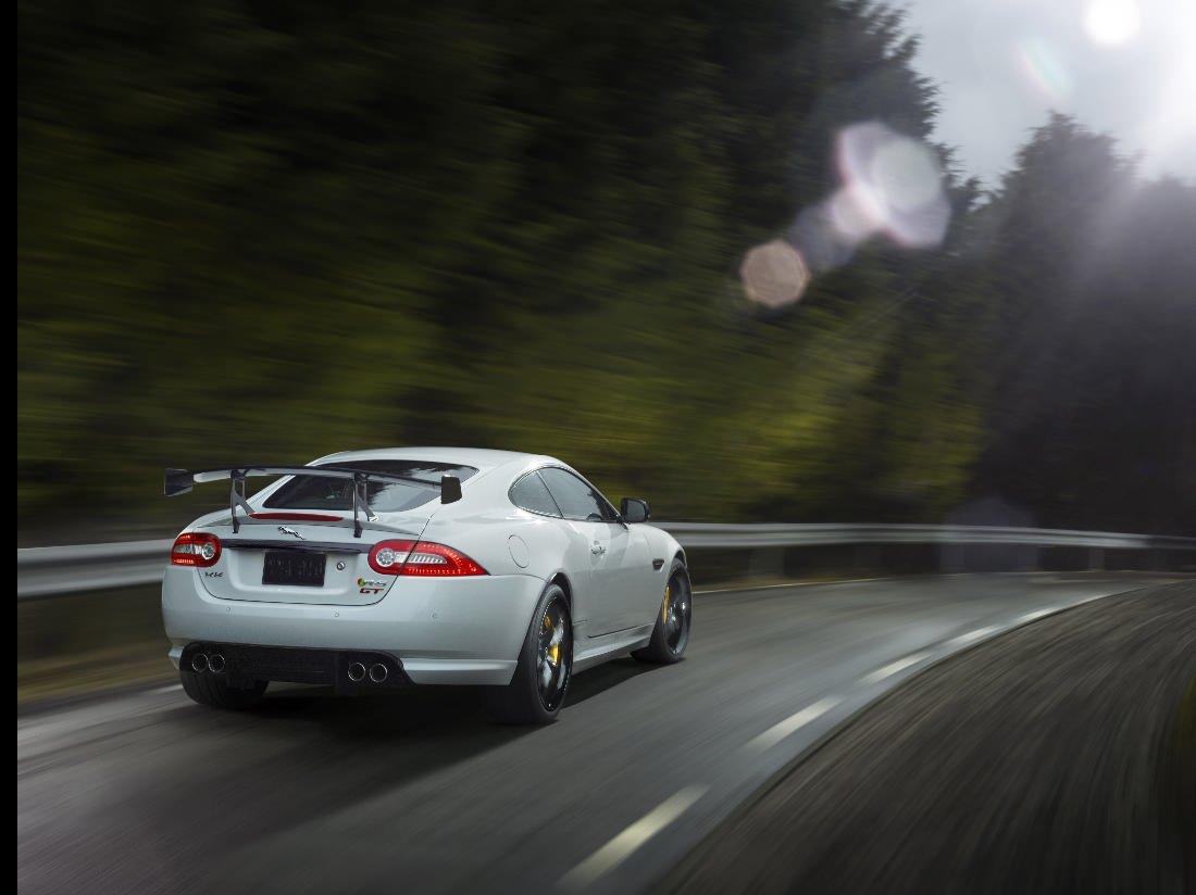 Jaguar-XKR-S-GT (9)