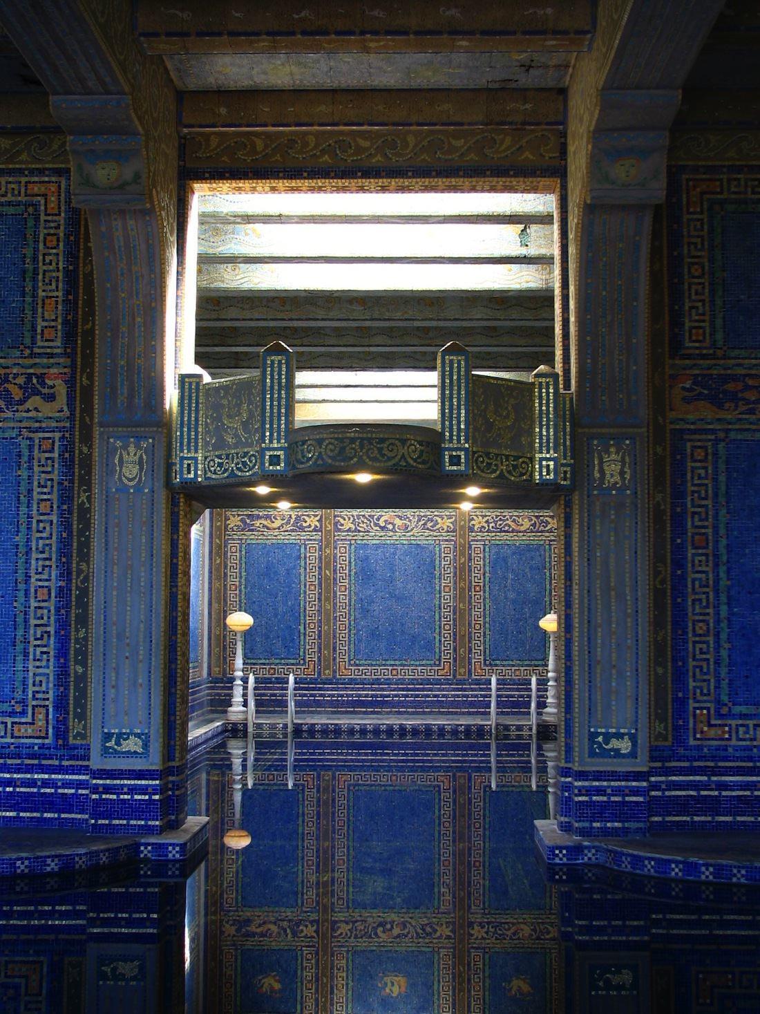 piscine intérieure chateau