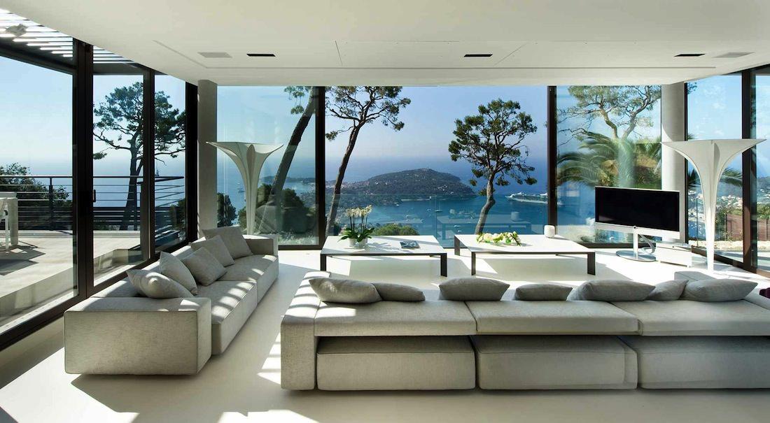 bay view villa de luxe sur la c te d 39 azur. Black Bedroom Furniture Sets. Home Design Ideas