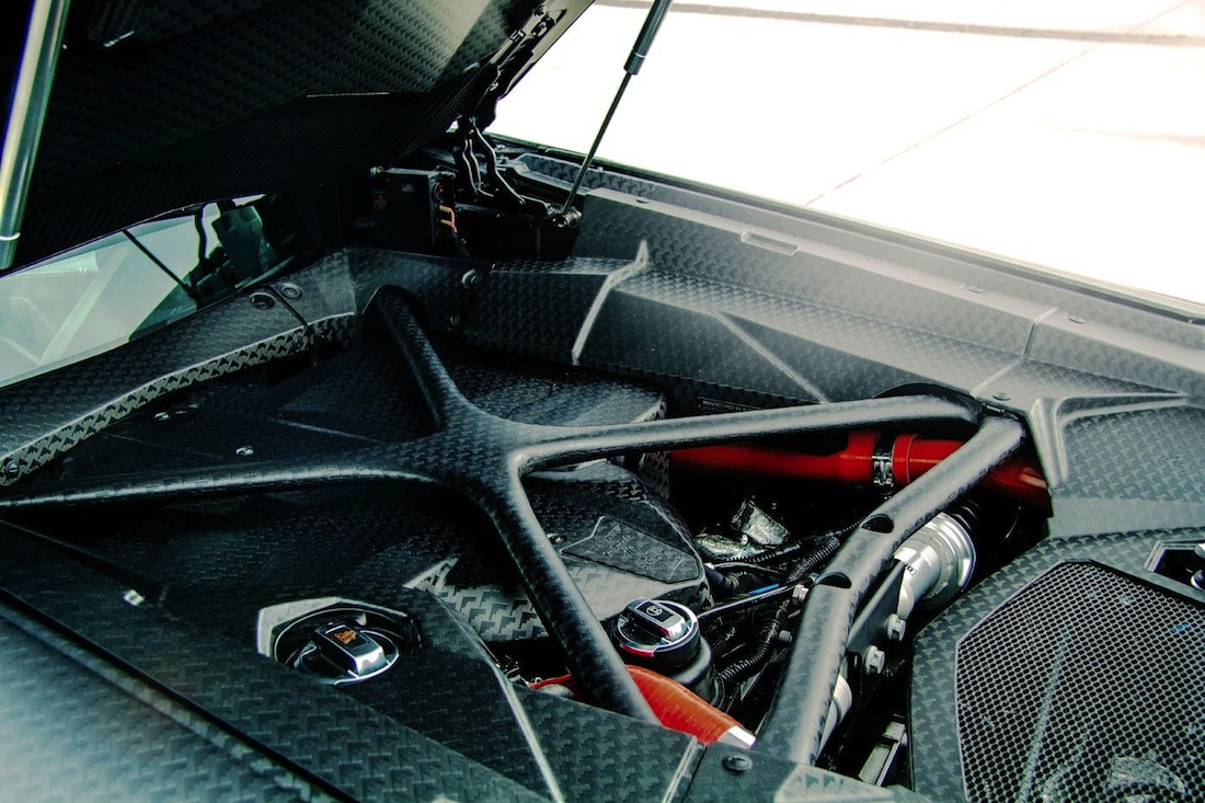 moteur mansory carbone