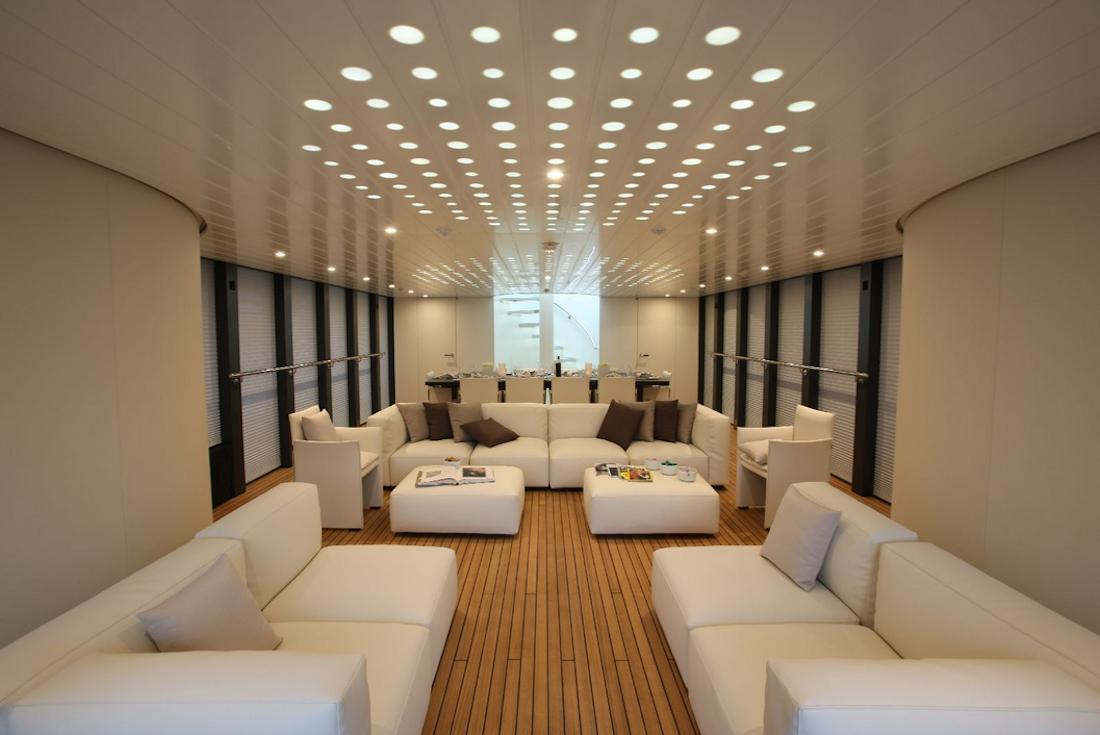L ocean emerald yacht par foster partners et rodriguez yachts - Luci a led per interni casa ...