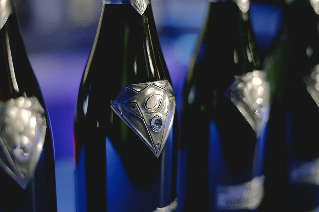 Favori Une bouteille de Champagne au Goût de Diamants YA04