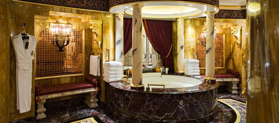 25 Best Ideas About Gold Bathroom Accessories On: L'hôtel Burj Al Arab à Dubai, Digne D'un Palace Royal