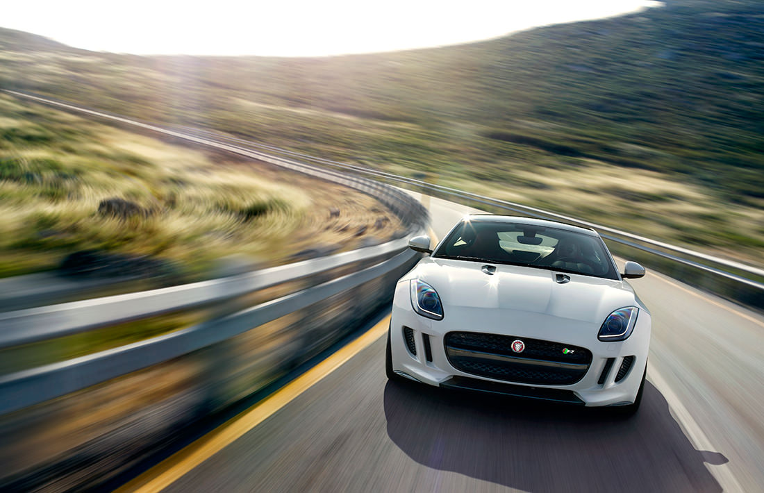 jaguar-F-type-R-coupe-16