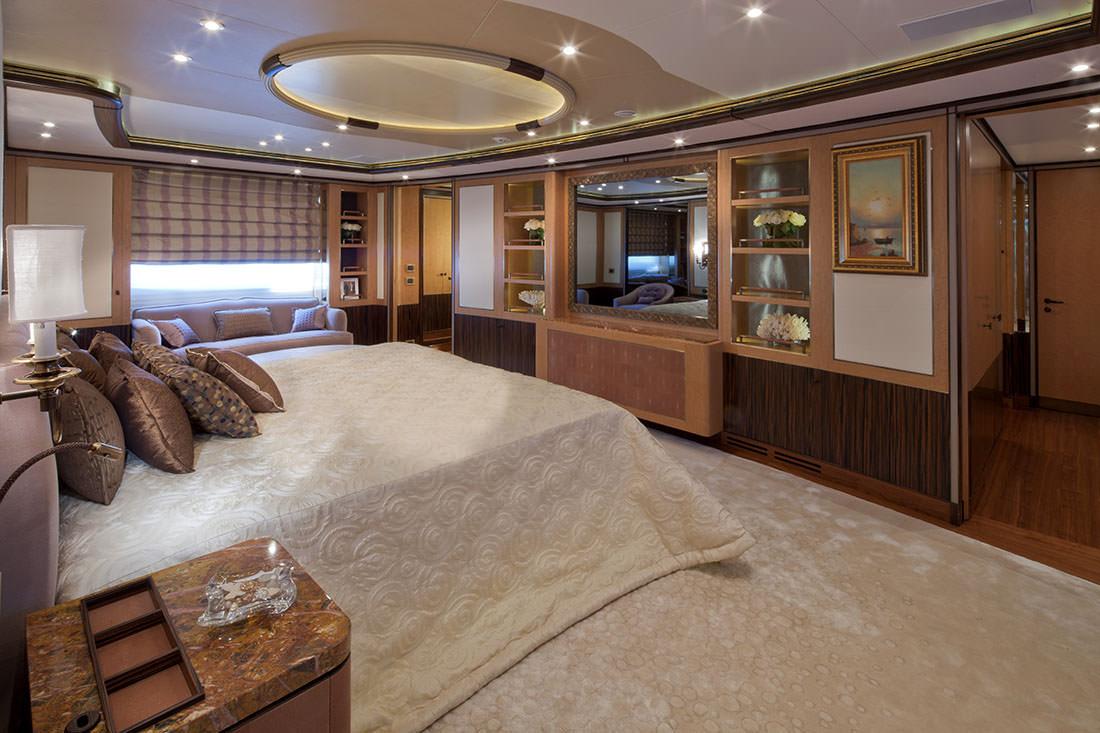 le yacht belle anna de isa yachts   un design spectaculaire