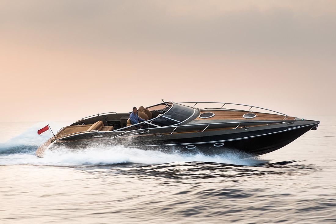 yacht-XRS43-1