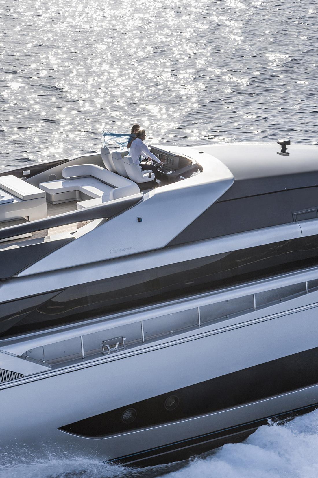 riva-yacht-mythos-7