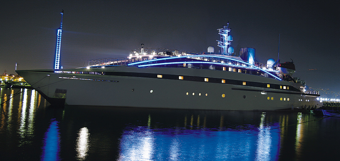 motor-yacht-RM-elegant-17