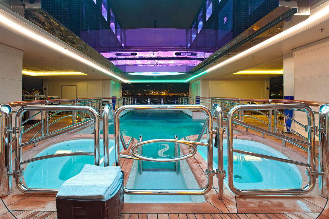 Le serenissime serene par fincantieri for Interieur yacht