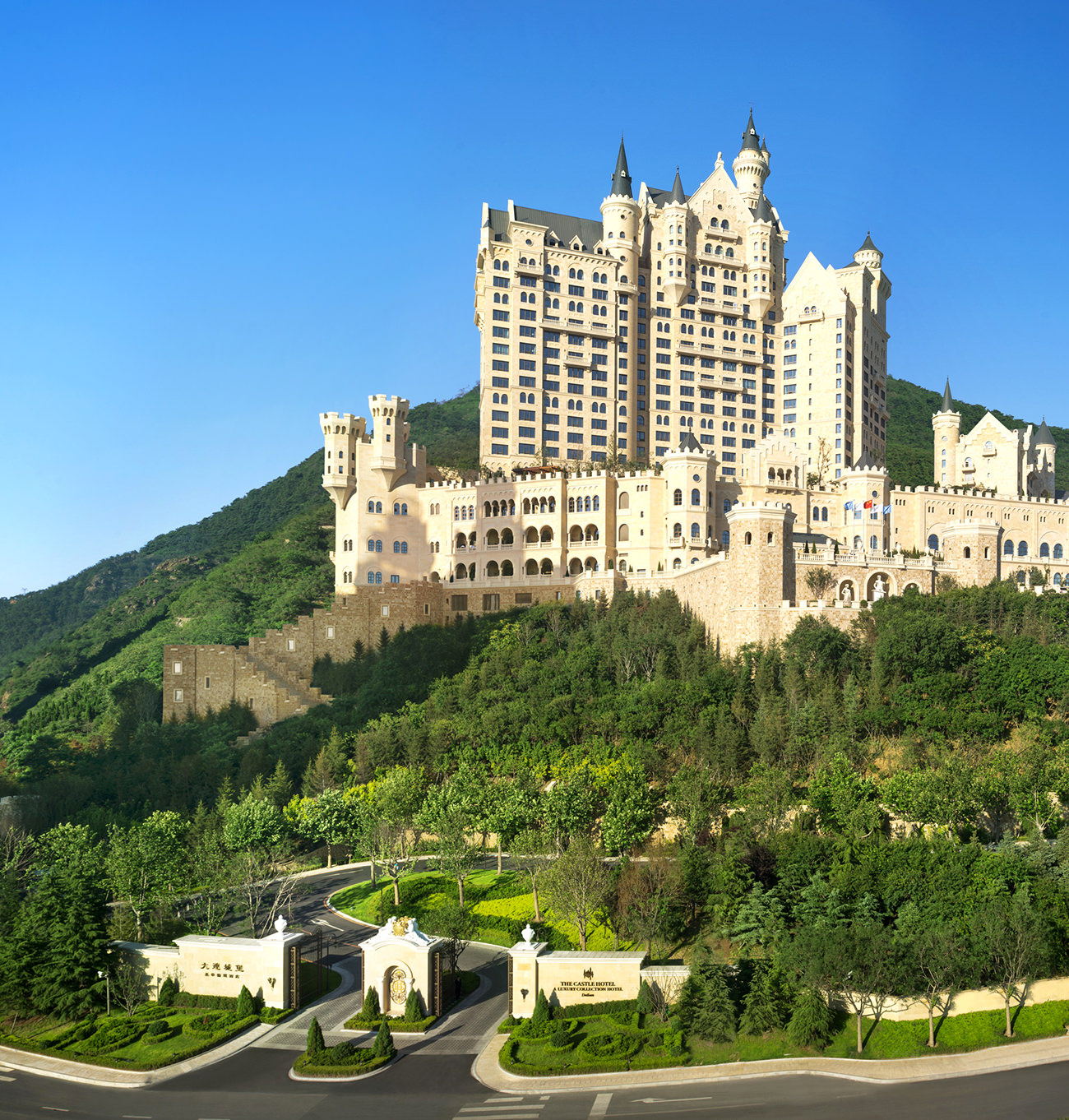 the-Castle-Hotel-a-Luxury-Collection-Hotel-Dalian-5