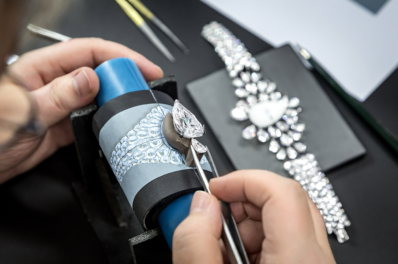 The-Fastination-Graff-Diamonds-8