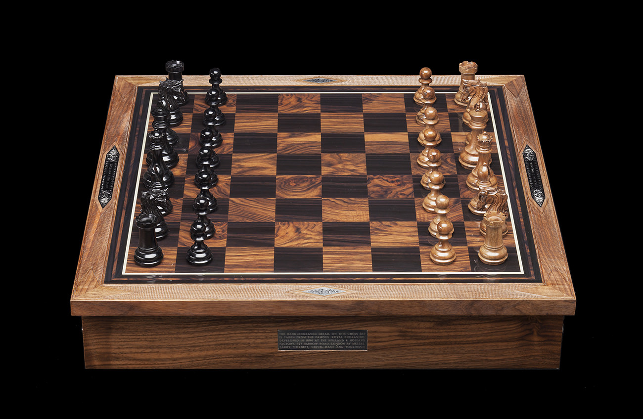 Holland-&-Holland-Chess-Set-1